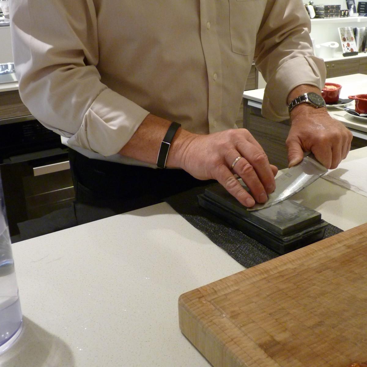 Messer schärfen mit Wetzstein