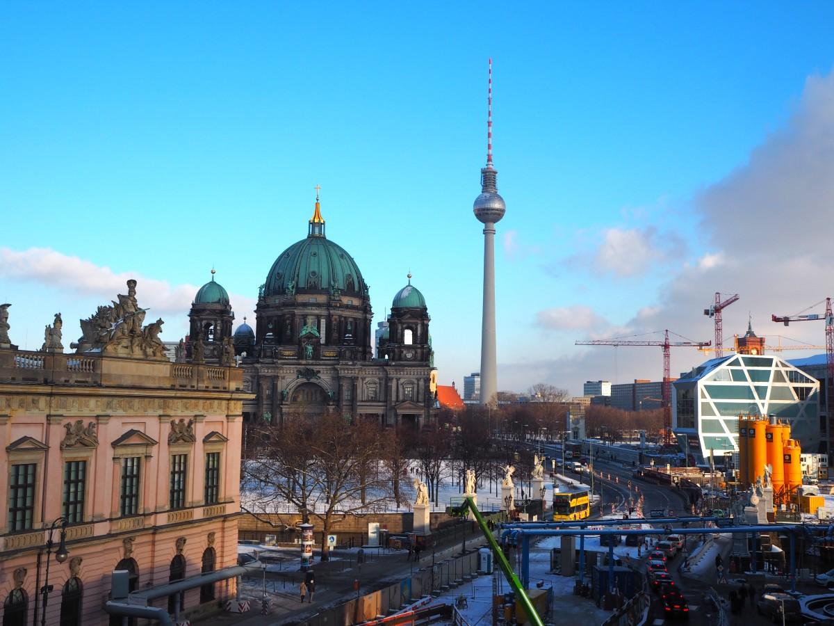 Winter in Berlin Dom Fernsehturm