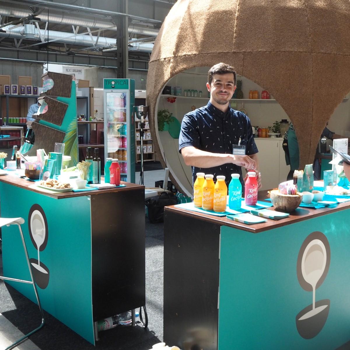 Next Organic Berlin Station Kokoswasser Erfrischungsgetränk