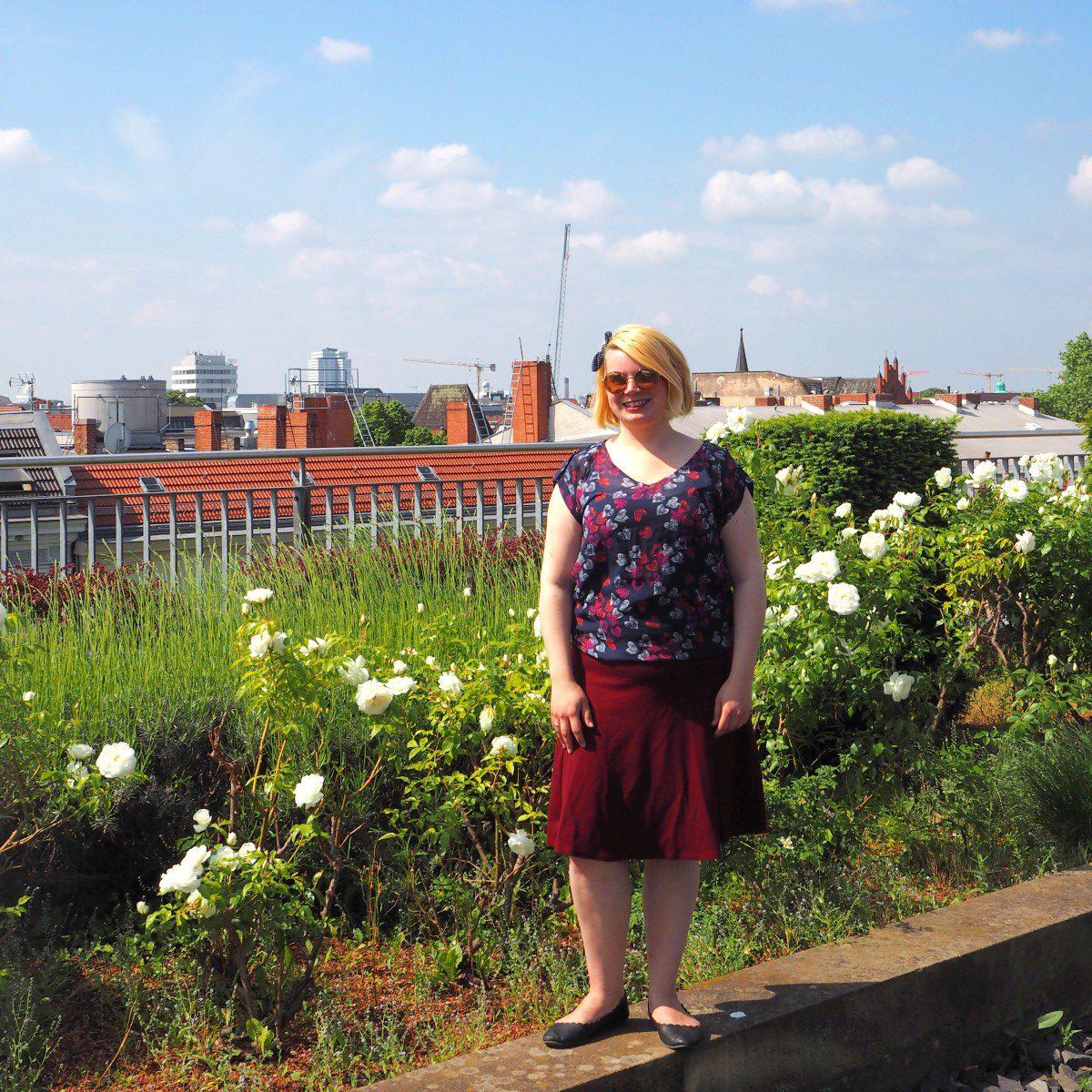 Outfit über den Dächern von Berlin Food Blog Days Stilwerk Bluse Herzen Rock