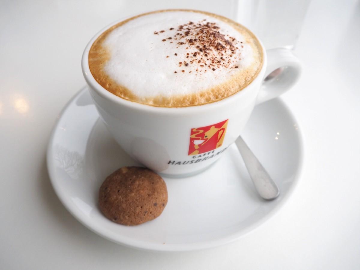 Mellis Kaffeehaustour Burgenland Podersdorf Kaffeehaus Seecafe Cappuccino