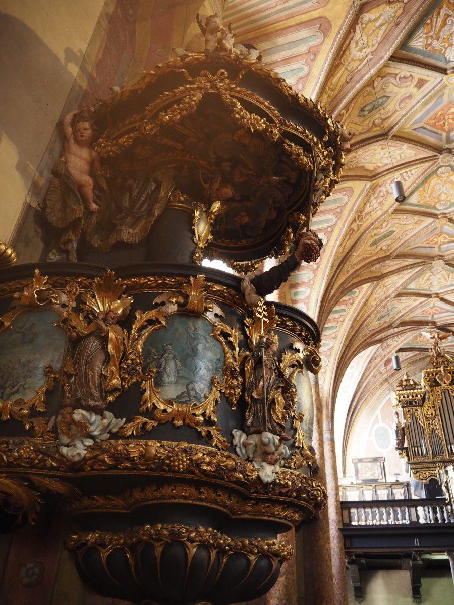 Die Kanzel der Pfarrkirche St. Wolfgang.