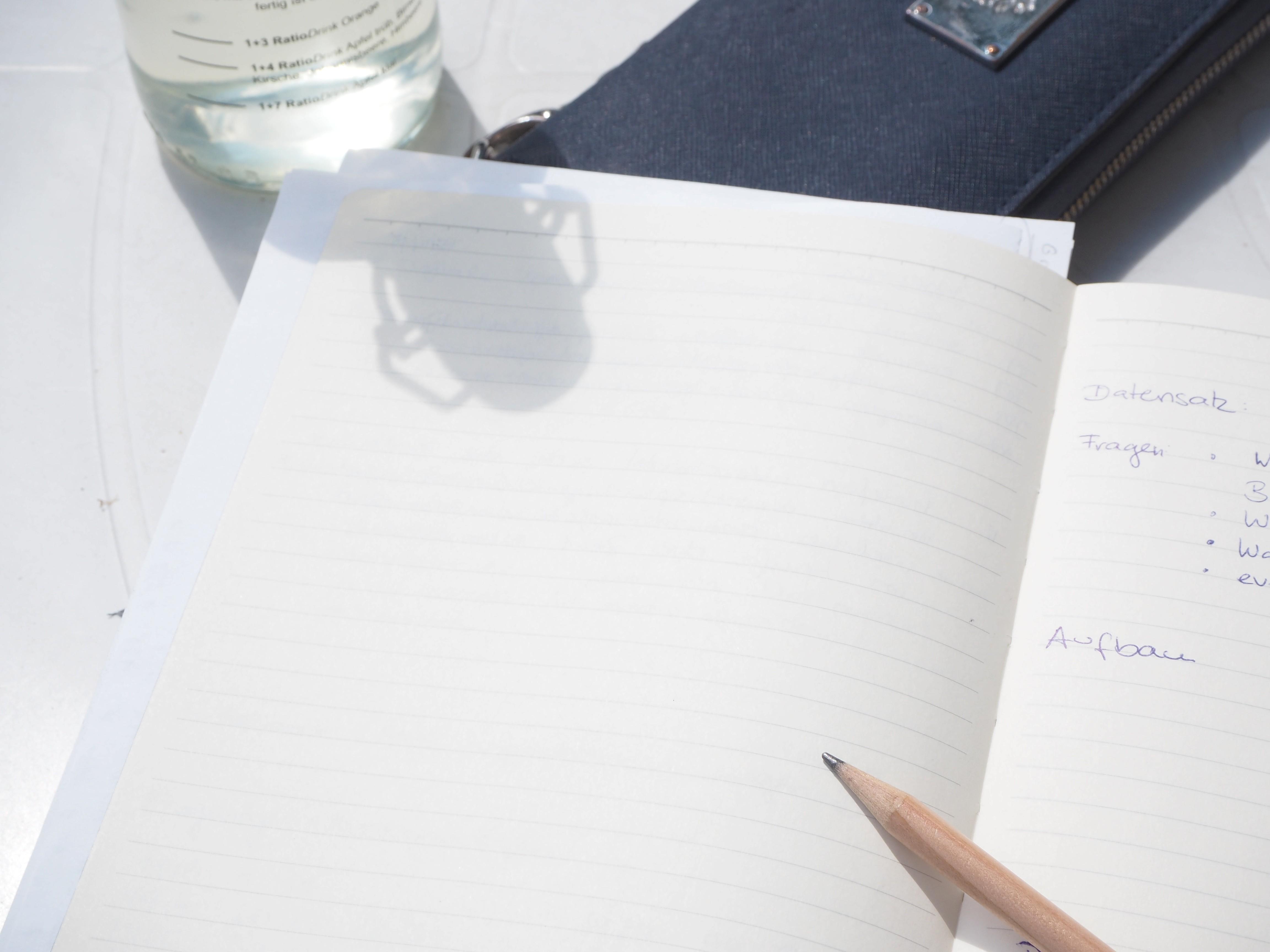 Für die Kreativität brauche ich trotz Laptop ein Notizbuch und einen Bleistift.